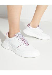 PREMIUM BASICS - Sneakersy Pink Mirror. Kolor: biały. Wzór: aplikacja