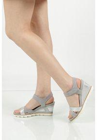 Tamaris - sandały na koturnie tamaris 1-28333-28. Materiał: skóra, materiał. Sezon: lato. Obcas: na koturnie