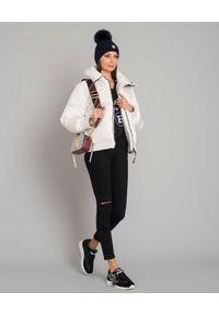 MONCLER - Biała kurtka puchowa. Kolor: biały. Materiał: puch. Długość rękawa: długi rękaw. Długość: długie. Sezon: zima