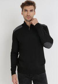 Born2be - Czarny Golf Z Wełną Amarhamna. Typ kołnierza: golf. Kolor: czarny. Materiał: wełna. Długość: długie. Wzór: aplikacja. Styl: klasyczny