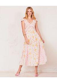 LOVE SHACK FANCY - Sukienka w kwiaty Archer. Okazja: na imprezę. Kolor: różowy, fioletowy, wielokolorowy. Materiał: koronka, bawełna. Wzór: kwiaty. Długość: maxi