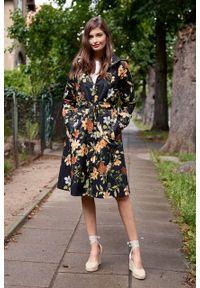 Marie Zélie - Parka Linda Daffodils czarna. Kolor: czarny. Materiał: bawełna, materiał, elastan, włókno, poliester. Długość: długie