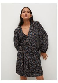 mango - Mango Sukienka codzienna Africa 87065720 Czarny Regular Fit. Okazja: na co dzień. Kolor: czarny. Typ sukienki: proste. Styl: casual