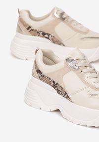Beżowe buty sportowe Born2be