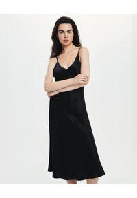 LOVLI SILK - Jedwabna midi sukienka #NO.4. Typ kołnierza: dekolt w kształcie V. Kolor: czarny. Materiał: jedwab. Długość: midi