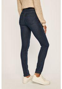 Niebieskie jeansy Lee w kolorowe wzory