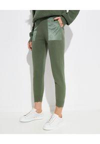 SER.O.YA - Spodnie jogger Ida. Kolor: zielony. Materiał: bawełna. Długość: długie. Wzór: aplikacja