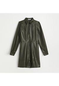 Reserved - Sukienka z imitacji skóry - Khaki. Kolor: brązowy. Materiał: skóra