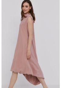 Answear Lab - Sukienka. Kolor: różowy. Materiał: tkanina. Wzór: gładki. Typ sukienki: rozkloszowane. Styl: wakacyjny