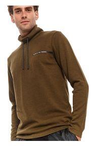TOP SECRET - T-shirt długi rękaw męski gładki. Kolor: brązowy. Długość rękawa: długi rękaw. Długość: długie. Wzór: gładki