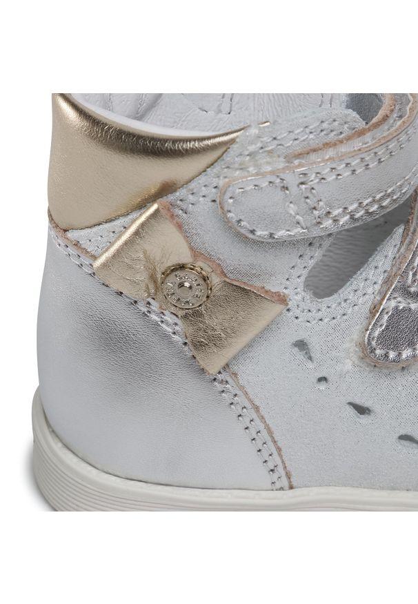 Srebrne sandały Bartek na lato