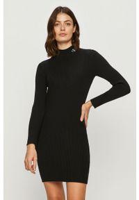 Czarna sukienka Calvin Klein Jeans mini, dopasowana