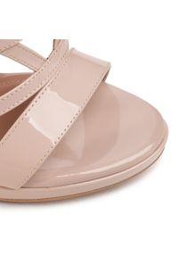 Beżowe sandały Eva Minge klasyczne