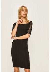 Czarna sukienka Guess Jeans z dekoltem typu hiszpanka, mini, na co dzień, prosta
