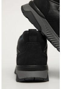 Czarne sneakersy s.Oliver z okrągłym noskiem, na sznurówki
