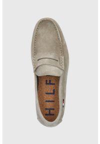 TOMMY HILFIGER - Tommy Hilfiger - Mokasyny zamszowe. Nosek buta: okrągły. Kolor: beżowy. Materiał: zamsz #3