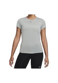 Koszulka damska Nike Dri-FIT One DD0626. Materiał: włókno, skóra, materiał, poliester. Długość rękawa: krótki rękaw. Technologia: Dri-Fit (Nike). Długość: krótkie. Wzór: napisy, gładki