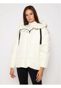 Biała kurtka puchowa Marella