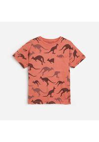Różowy t-shirt Reserved z nadrukiem