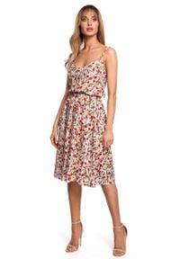 MOE - Rozkloszowana Sukienka w Kwiatki na Cienkich Ramiączkach - Model 5. Materiał: wiskoza. Długość rękawa: na ramiączkach. Wzór: kwiaty