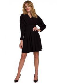 Makover - Zjawiskowa sukienka mini z wydłużoną talią. Materiał: elastan. Długość: mini