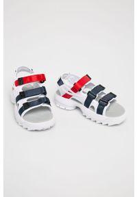Białe sandały Fila na rzepy