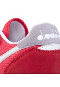 Czerwone sneakersy Diadora na co dzień, z cholewką
