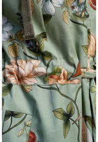 Marie Zélie - Parka Linda Daffodils oliwkowa. Kolor: oliwkowy. Materiał: bawełna, materiał, elastan, włókno, poliester. Długość: długie