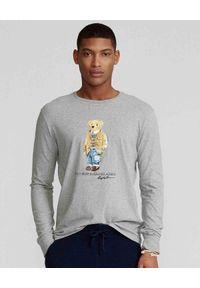 Ralph Lauren - RALPH LAUREN - Szara koszulka z misiem Polo. Typ kołnierza: polo. Kolor: szary. Materiał: bawełna. Długość rękawa: długi rękaw. Długość: długie. Wzór: nadruk
