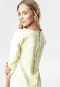 Born2be - Jasnożółta Sukienka Eleynard. Kolor: żółty. Materiał: dzianina. Wzór: jednolity, gładki. Typ sukienki: proste, dopasowane. Styl: klasyczny. Długość: mini