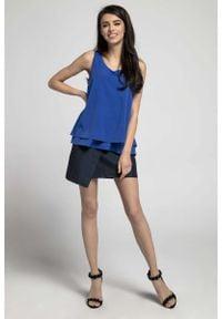 Nommo - Kobaltowa Zwiewna Dwuwarstwowa Bluzka bez Rękawów. Kolor: niebieski. Materiał: wiskoza, poliester. Długość rękawa: bez rękawów