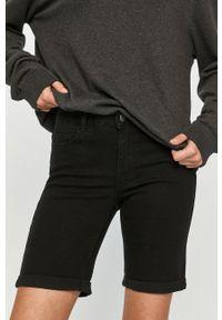 Vero Moda - Szorty jeansowe. Kolor: czarny. Materiał: jeans