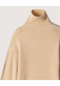 NANUSHKA - Beżowy sweter Lyo. Typ kołnierza: golf. Kolor: beżowy. Materiał: dzianina, materiał, prążkowany