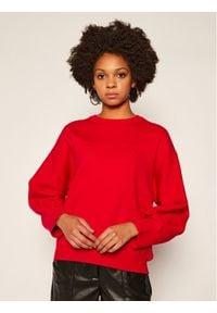 Czerwony sweter klasyczny Guess