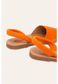 Pomarańczowe sandały ANSWEAR