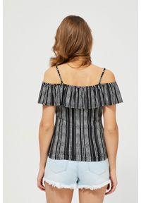 Bluzka MOODO z dekoltem typu hiszpanka, w paski, na ramiączkach