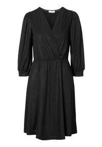 Cream Kopertowa sukienka z połyskiem Hika Czarny female czarny S (36). Typ kołnierza: dekolt w serek. Kolor: czarny. Materiał: jersey. Typ sukienki: kopertowe. Styl: elegancki