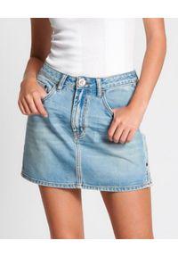 ONETEASPOON - Jeansowa spódnica mini Hendrixe 2020. Kolor: niebieski. Materiał: jeans