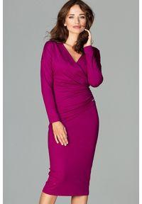 Lenitif - Elegancka kopertowa sukienka z wiskozą dopasowana fuksja. Okazja: do pracy, na co dzień. Typ kołnierza: dekolt kopertowy. Kolor: różowy. Materiał: wiskoza. Typ sukienki: kopertowe. Styl: elegancki. Długość: midi