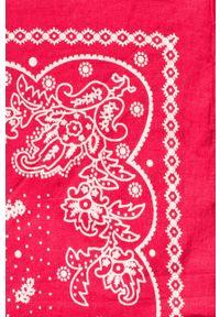 Czerwona chusta Levi's® paisley