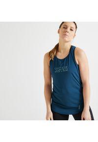 DOMYOS - Top fitness Domyos 120. Kolor: niebieski, zielony, wielokolorowy, turkusowy. Materiał: poliester, elastan, materiał. Długość rękawa: na ramiączkach. Długość: długie. Sport: fitness