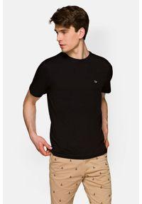 Lancerto - Koszulka Czarna Mark. Okazja: na co dzień. Kolor: czarny. Materiał: włókno, materiał, bawełna. Wzór: aplikacja. Sezon: lato, jesień, wiosna, zima. Styl: klasyczny, casual