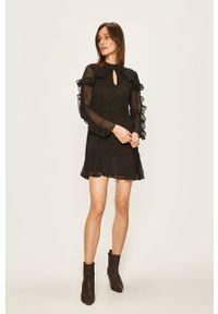 Czarna sukienka Glamorous rozkloszowana, z okrągłym kołnierzem, mini, w grochy
