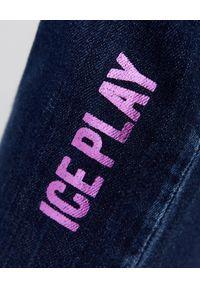 Ice Play - ICE PLAY - Niebieskie jeansy z logo marki. Kolor: niebieski. Wzór: aplikacja. Styl: klasyczny