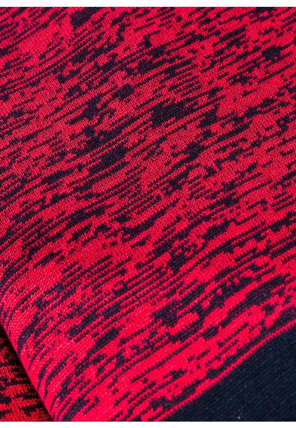 Niebieski sweter bonprix z kapturem