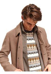 TOP SECRET - Klasyczny płaszcz z kołnierzem z tkaniny z domieszką wełny. Kolor: brązowy. Materiał: tkanina, wełna. Sezon: zima. Styl: klasyczny