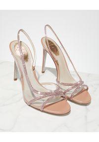 RENE CAOVILLA - Różowe sandały na szpilce. Zapięcie: pasek. Kolor: różowy, wielokolorowy, fioletowy. Wzór: paski, aplikacja. Obcas: na szpilce. Wysokość obcasa: średni #6