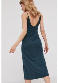 Sukienka Answear Lab na ramiączkach, gładkie, midi, wakacyjna
