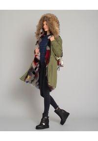 Mr & Mrs Italy - MR & MRS ITALY - Parka z wielokolorowym futrem. Kolor: zielony. Materiał: futro. Długość rękawa: długi rękaw. Długość: długie. Wzór: haft, aplikacja. Sezon: zima, jesień