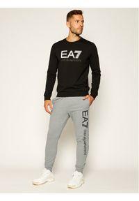 EA7 Emporio Armani Spodnie dresowe 8NPPC3 PJ05Z 3900 Szary Regular Fit. Kolor: szary. Materiał: dresówka